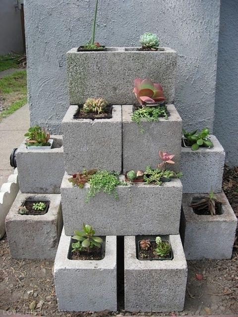 23400-diy-garden-concrete-blocks.jpg