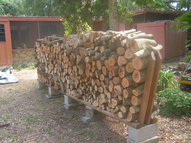 super-easy-diy-firewood-racks-6.jpg