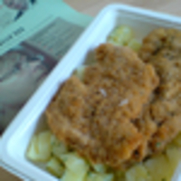 Rántott csirkemell, petrezselymes burgonya (Egészségkonyha)