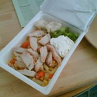 Fűszeres pulykamellcsíkok, zöldségköret