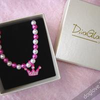 Termékbemutató - Koronás rózsaszín gyöngy nyaklánc
