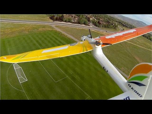 Motorcsónak és repülő belsőnézetes (FPV) videója
