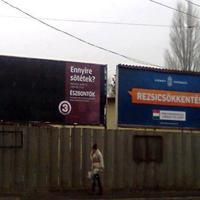 2013.04.09: Két plakát 2013-ból