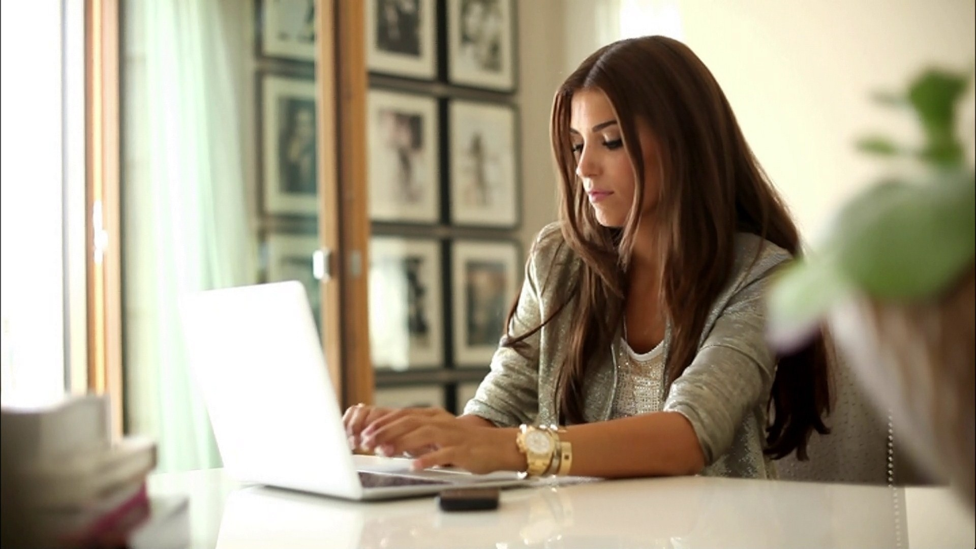 woman-working-in-the-office.jpg