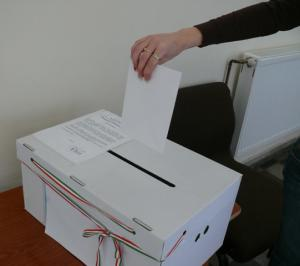 1261060437_szavazas.preview.jpg.preview.jpg