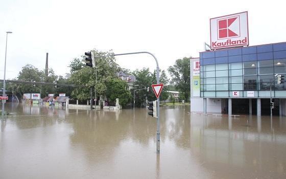 1778555_praha-vltava-povodne-povoden-liben-zaplavy.jpg