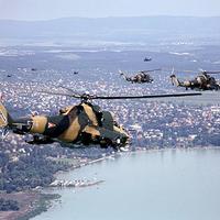 Helikopterek a Balaton felett