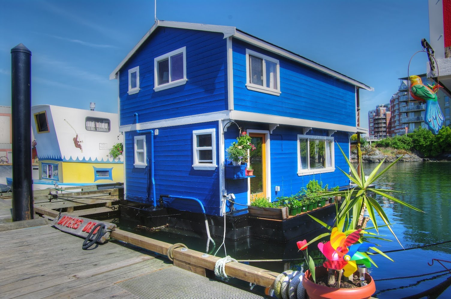 skill-floating-homes-for-sale-east-coast-fishermans-wharf-victoria-bc-float.jpg