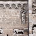 A KÖZÉPKOR CSÓKJA: A JÁKI TEMPLOM (The Romanesque Church of Ják)