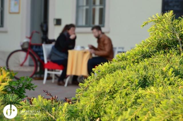drkuktart_asztalka47.jpg