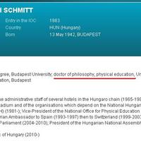 Bréking! PhD-fokozatot szerzett Schmitt Pál!