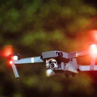 Franciaországban drón jeladókat vezetnének be