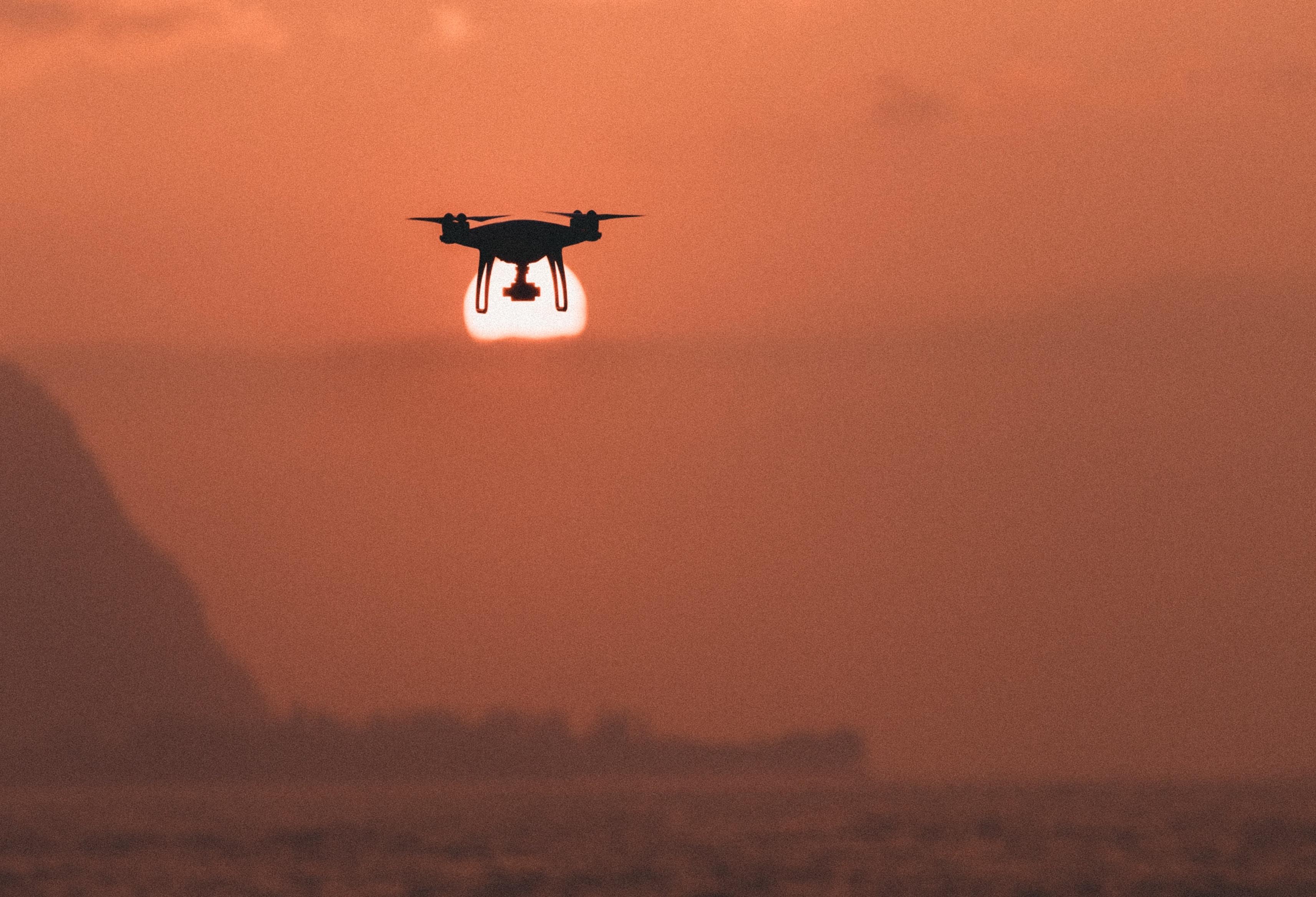 dron-naplemente-tenger-jakob-owens-221519-unsplash.jpg