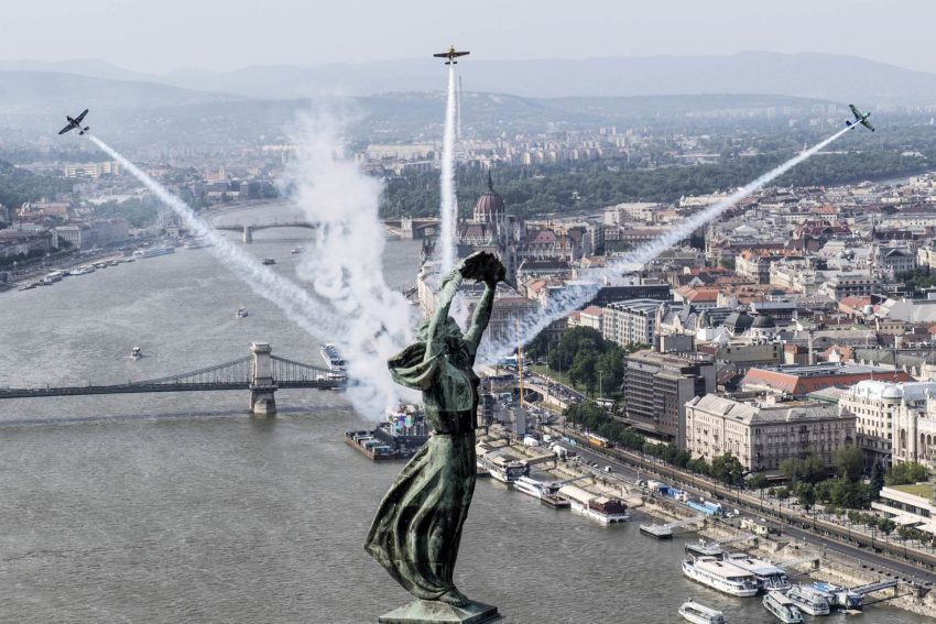 budapest_szabadsagszobor-redbullairrace.jpg