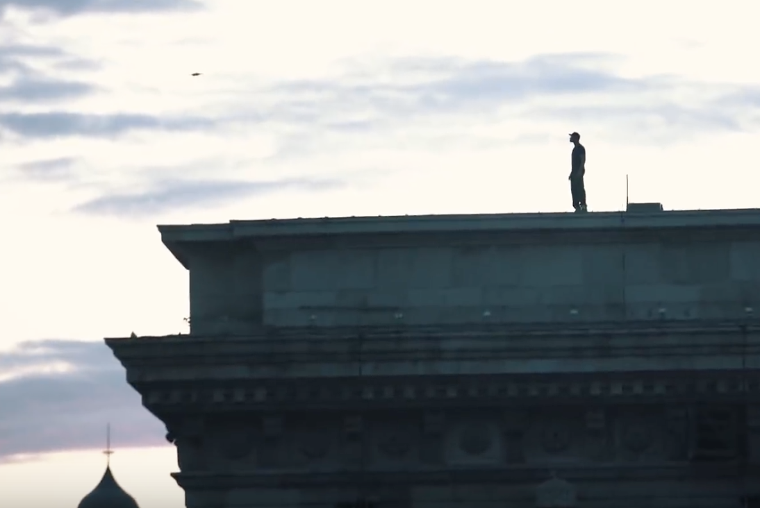 willsmith-drone-chainbridge-budapest.png