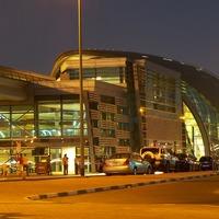 Dubai= luxuskurvák es olajsejkek?