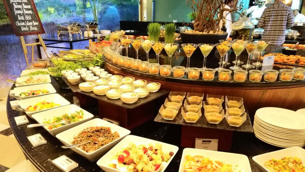 Nemzetközi kínálat a salátapultban