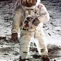 Válság a Holdon!