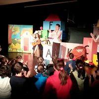 Móka Miki és barátai előadás jeltolmáccsal a Dumaszínházban
