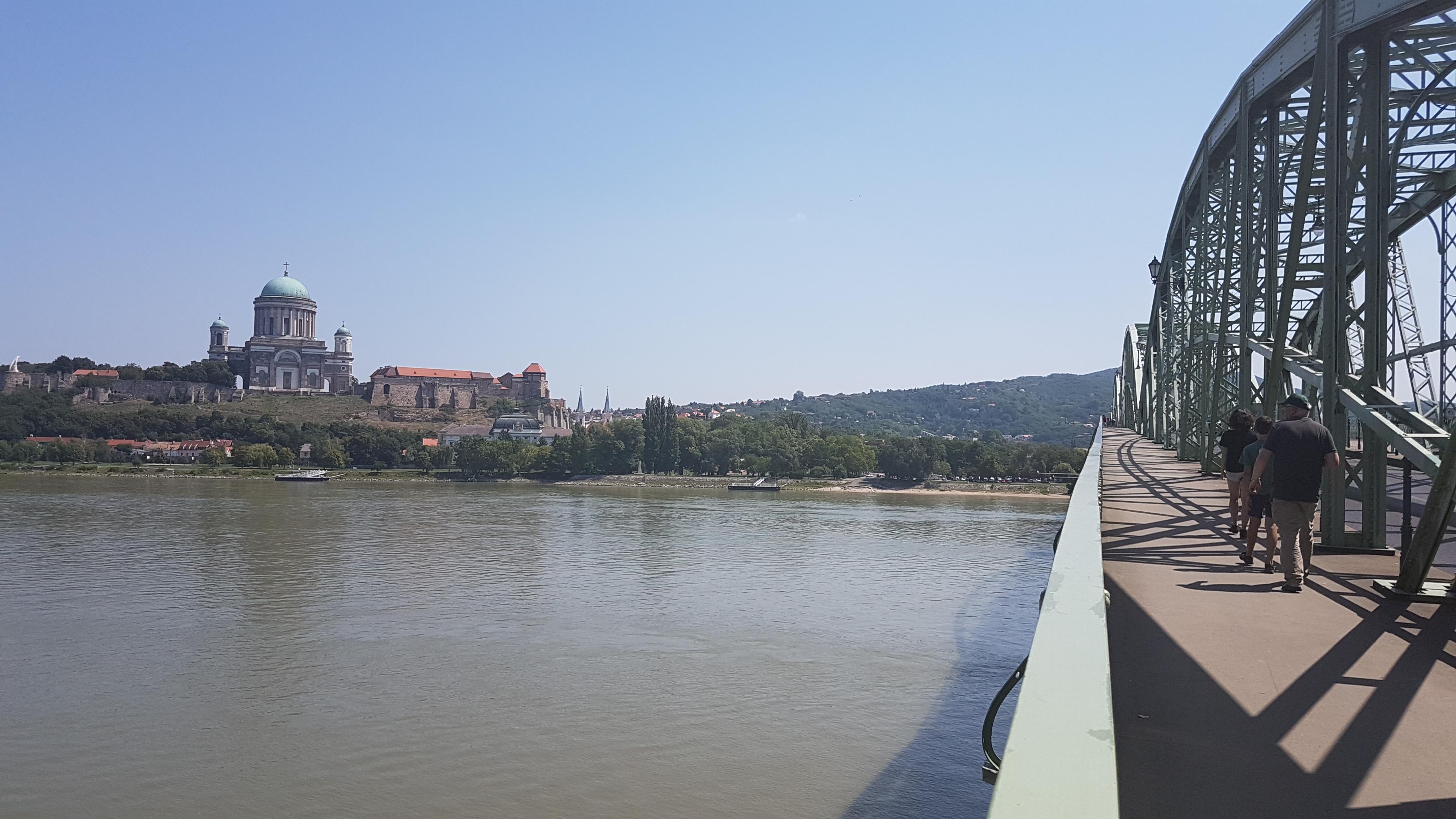 Így épült meg a Mária Valéria híd
