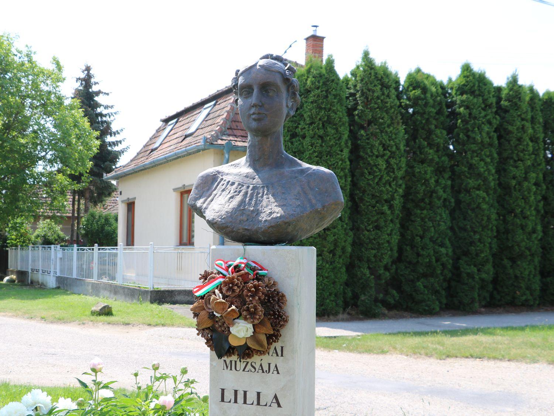 Lilla napján - a 165 éve meghalt Vajda Julianna emlékére