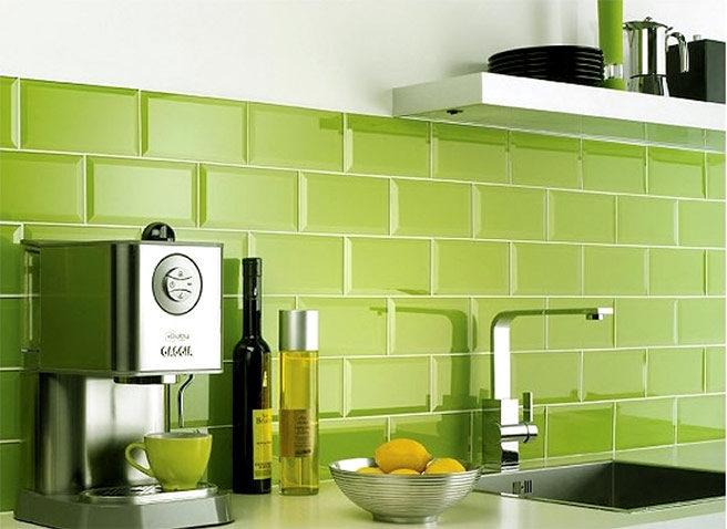 azulejos-cocina-pantone-greenery-656x478.jpg