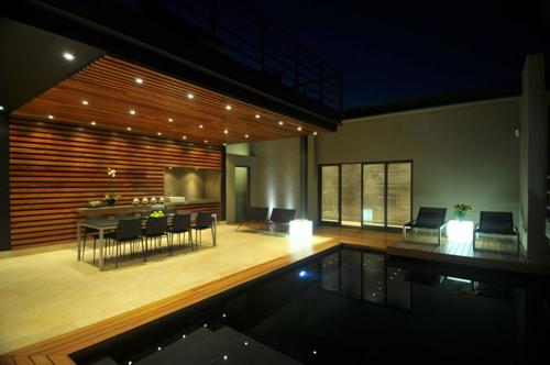 black-ceramics-modern-swimming-pool-920x611.jpg