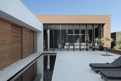 black-glass-line-swimming-pool-design.jpg
