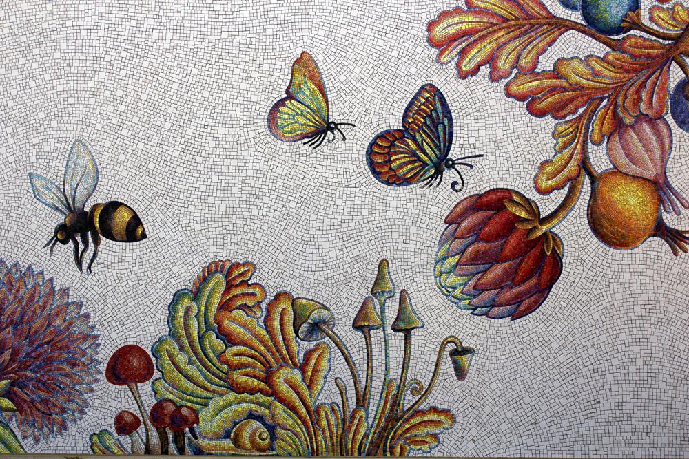 buc-detail-bee.jpg
