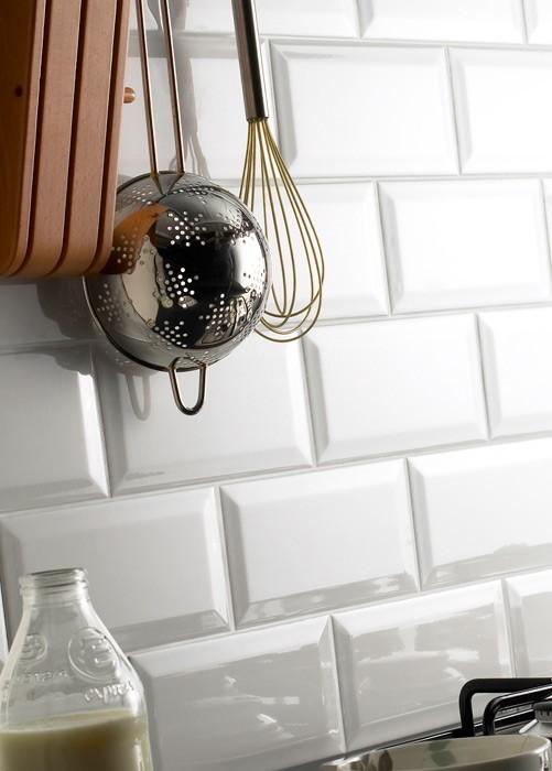 metro-white-200x100mm-wall-tiles-1_12.jpg