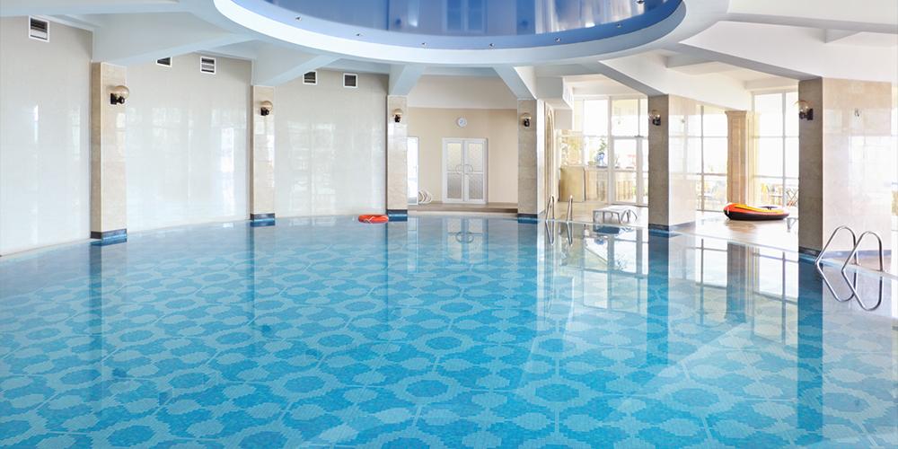 pool-design-expanding-pattern-glass-tile-mosaic_artaic.jpg