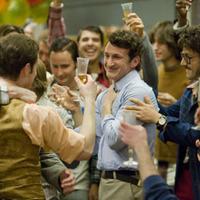 Sean Penn becomes gay - Milk trailer