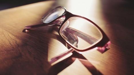eyeglasses-698672_640_1.jpg