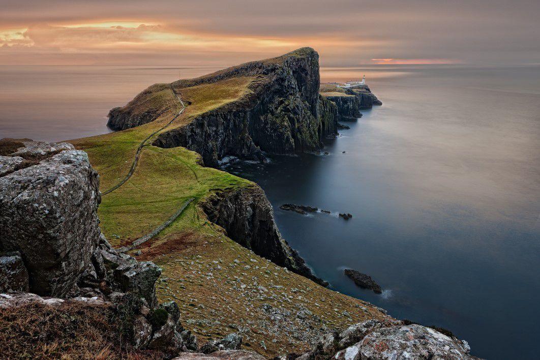 negative-space-sea-cliffs-mountains-scotland-pixabay-thumb-1.jpg