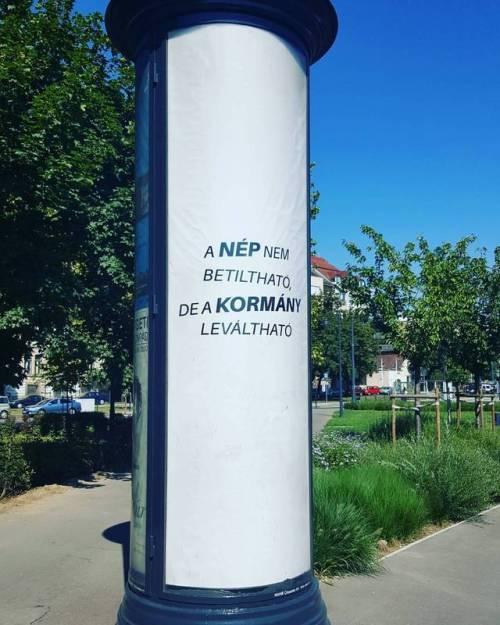 a_nep_nem_de_a_kormany.jpg