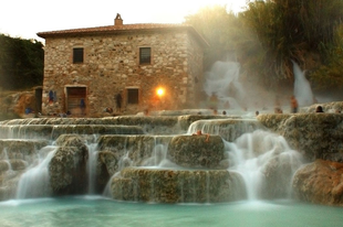 Cascate del Mulino - Egy vízesés, amely megmasszíroz
