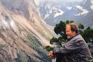 A világjáró félelmei - Interjú Juhász Árpáddal