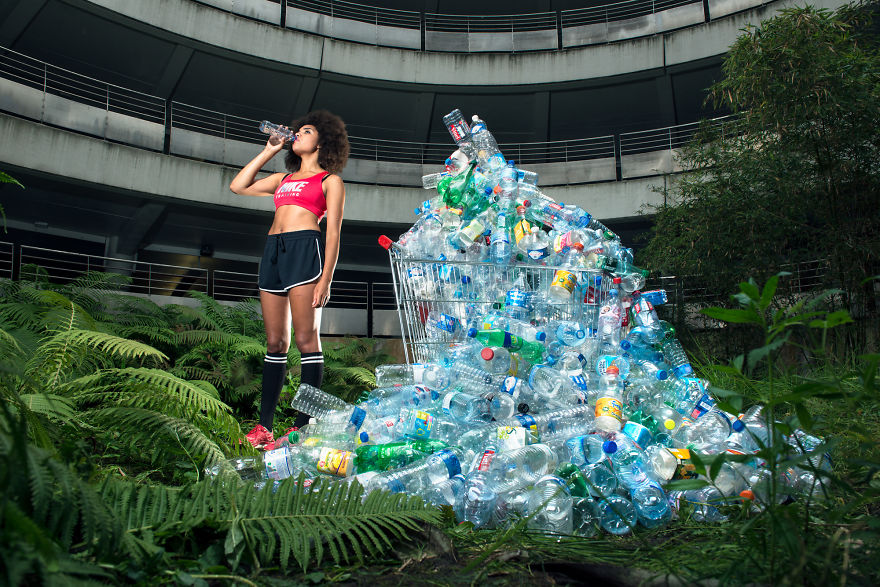 4-years-trash-365-unpacked-photographer-antoine-repesse-1-594910c011009_880.jpg