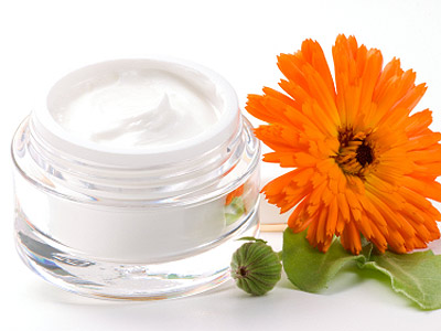 home-made-face-cream-essential-oil.jpg