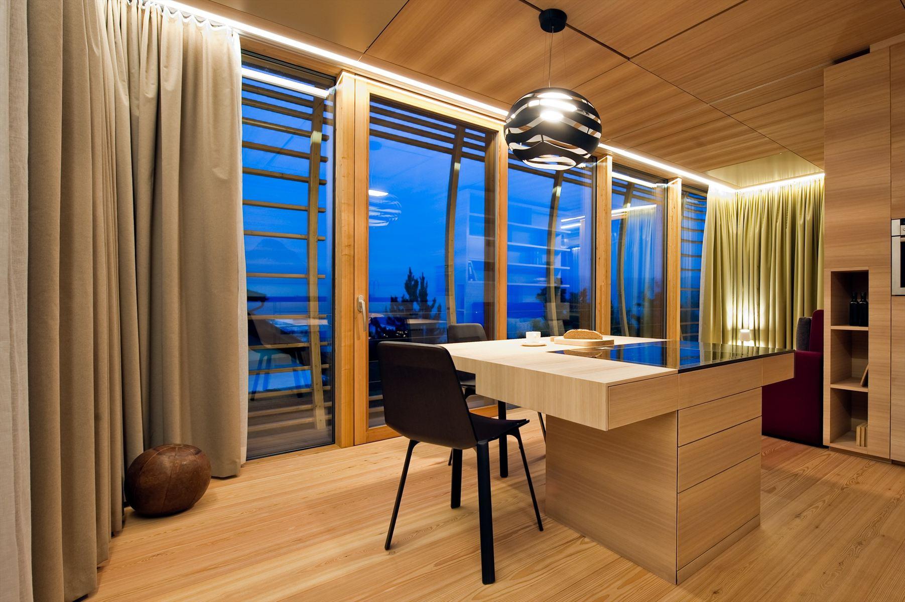 the-nomadic-fincube-house-by-studio-aisslinger-33.jpg