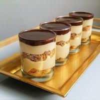 Tejszínes kávékrém mézes kaláccsal és csokoládé ganache-sal