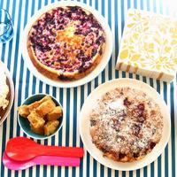 Kertyparty csak sütivel: Áfonyás sajttorta és amarettis málnatorta