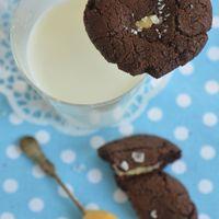 Tejkaramellel töltve: Brownie keksz