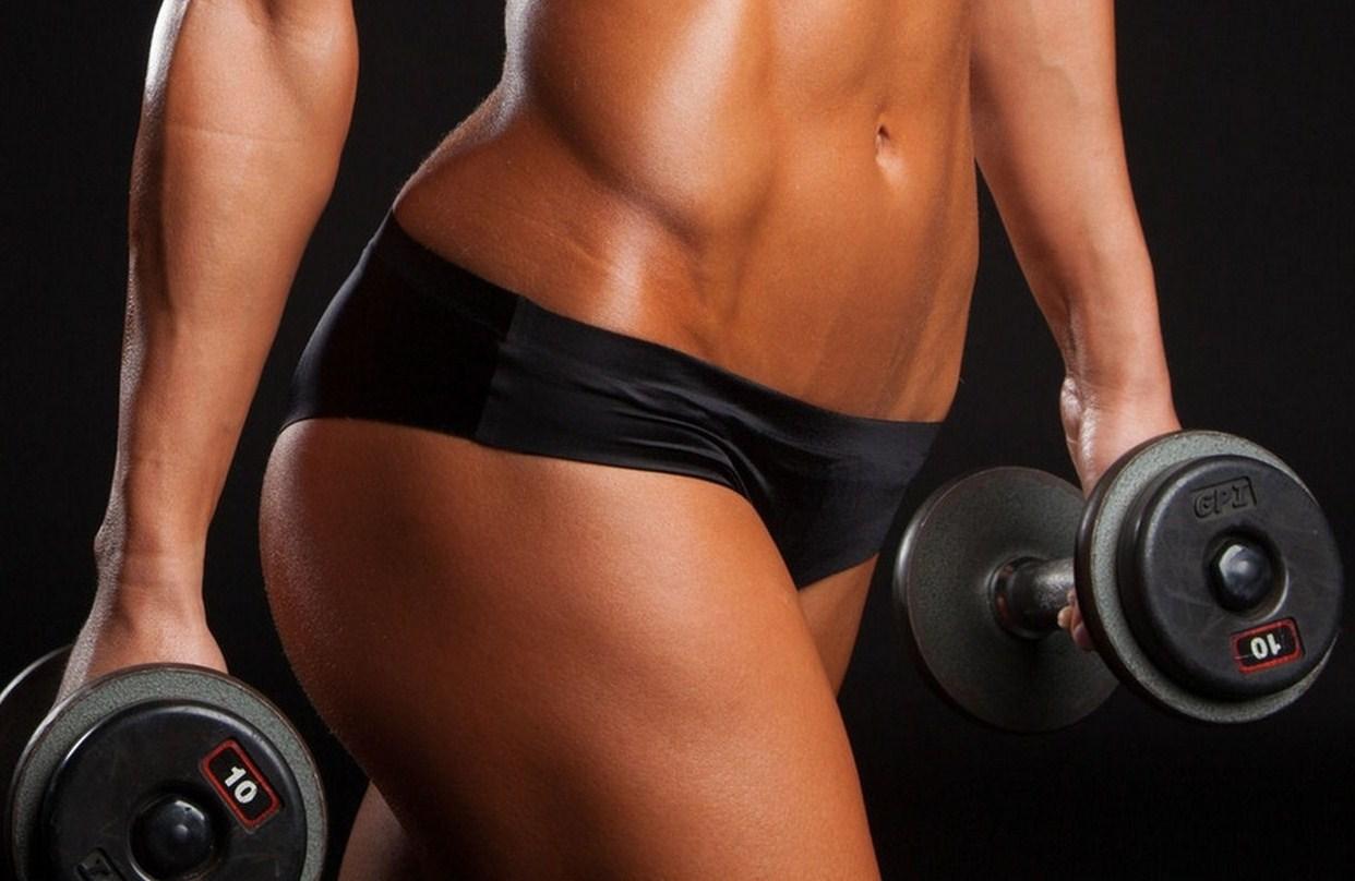fitness-dumbbell-tattoo-pose-girl.jpg