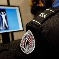 Magához nyúlt az utasbiztonsági ellenőr - kinek is jó az a testszkenner?