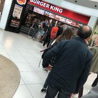 Kinek ciki, hogy 45 percet kell sorbanállni egy burgerért?