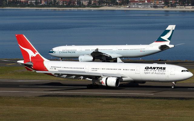 Qantas A330, HKG
