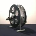 Stirling motor vs. egely wheel