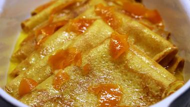 Palacsinta narancsszirupban