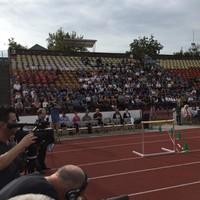 Tapsolni vitték az egri diákokat a stadionba